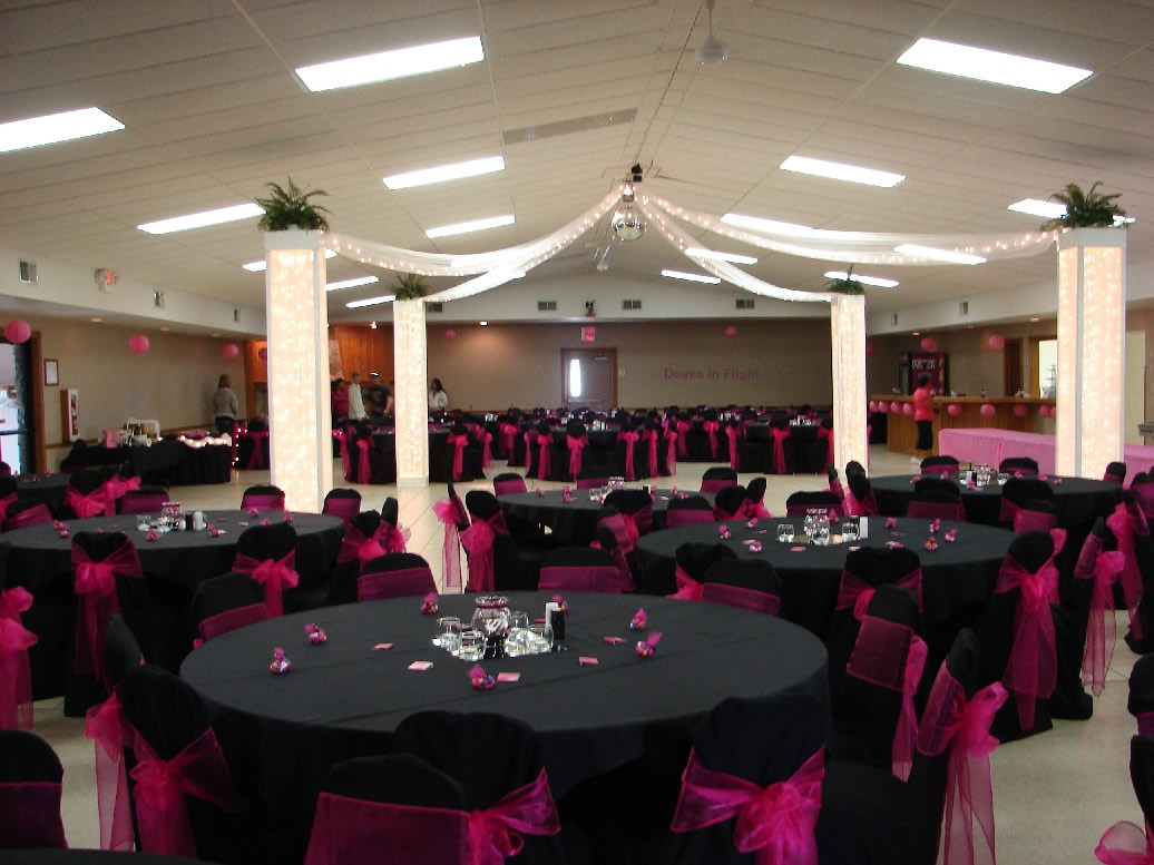 my wedding isnt hot pink and black but i have seen some cool pics from ...